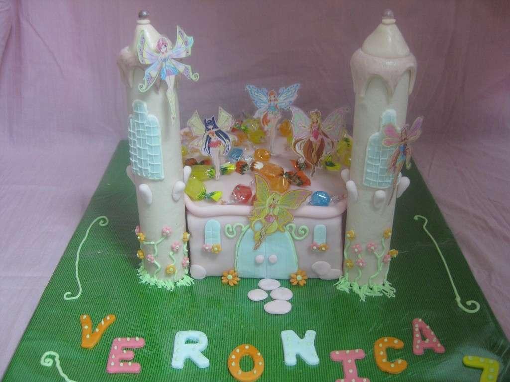 Castello Winx cioccolato plastico e pasta zucchero