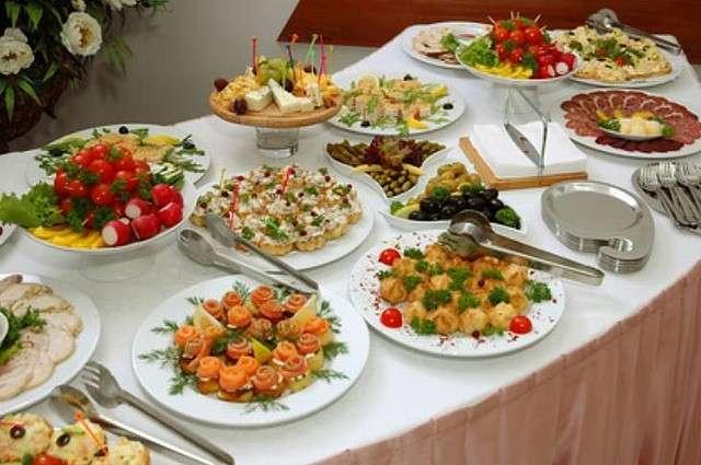 Una cena a buffet