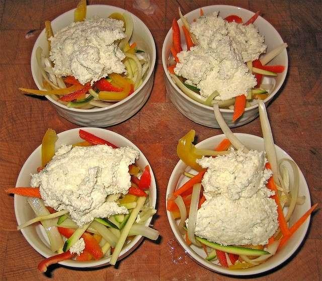 Antipasto di verdura con caprino