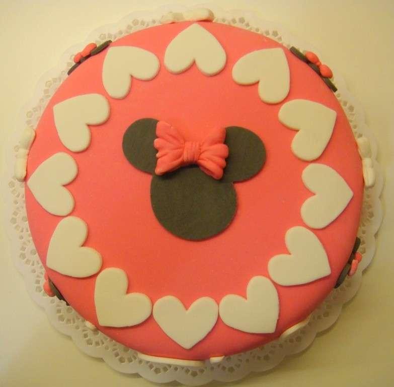 Cuori e volto di Minnie per decorazione