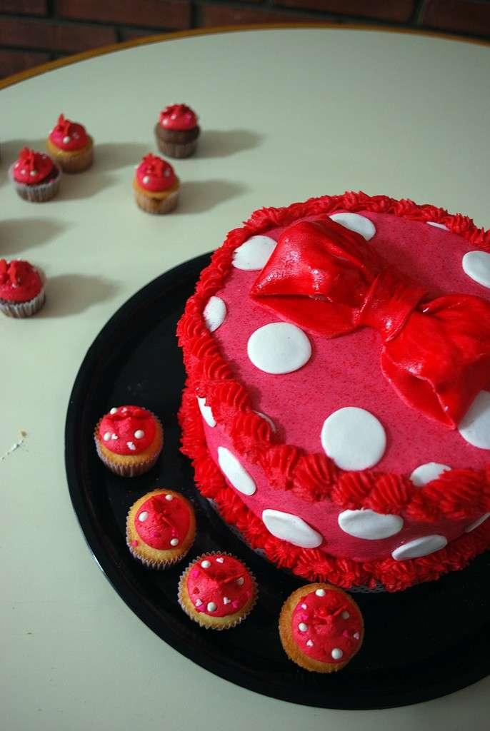 Fiocco di Minnie e cupcakes come torta