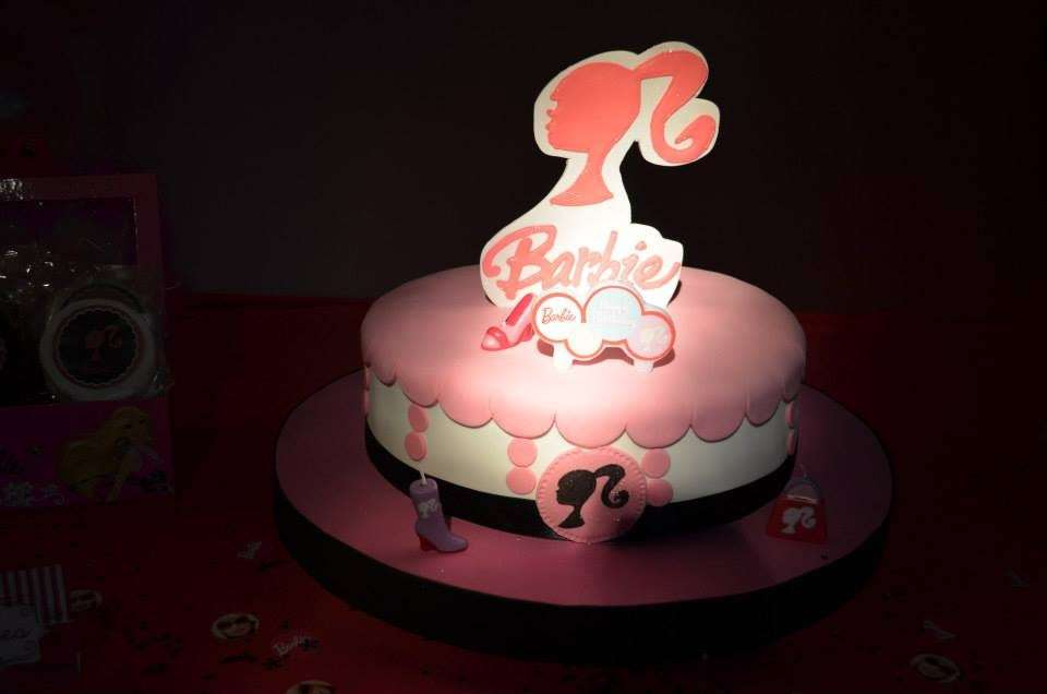 Torta Barbie con logo
