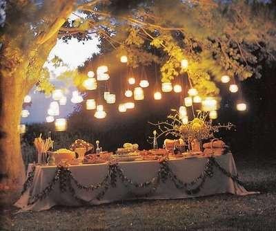 Allestimento di un buffet notturno