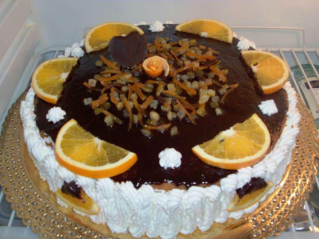 Cioccolato, arancia e panna per la torta