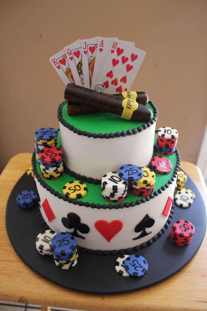 Carte vere come decorazione della torta