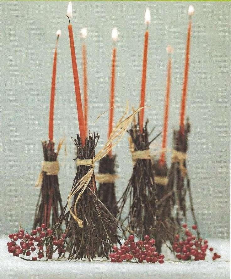 Candelabri a forma di scopa della strega