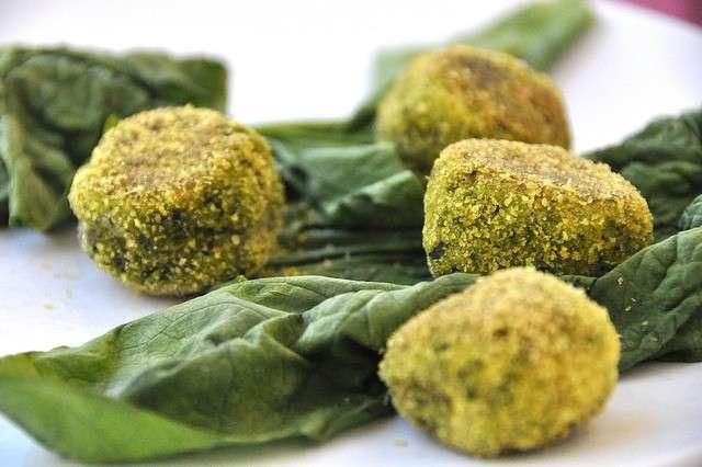 Polpette vegetariane con mozzarelle e spinaci