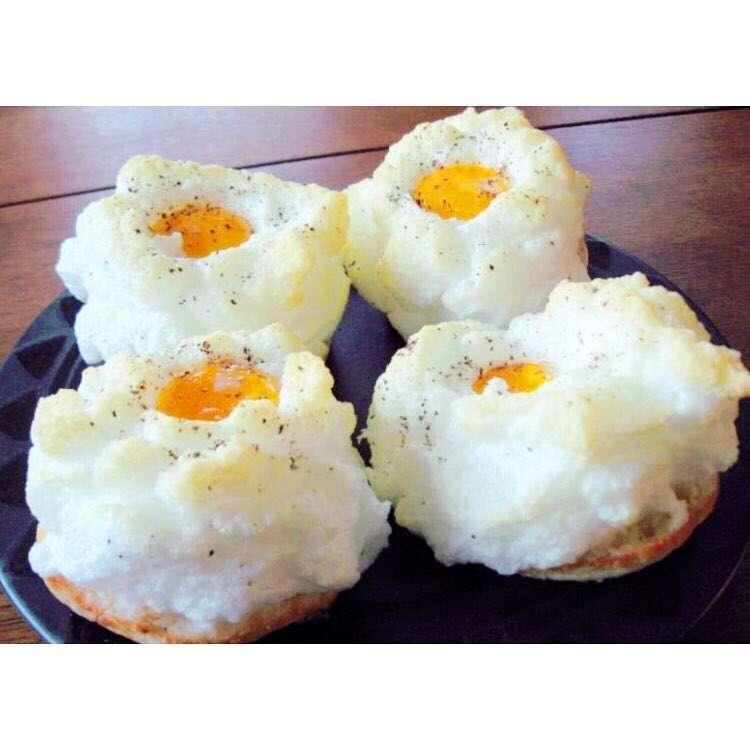 Le uova su una nuvola