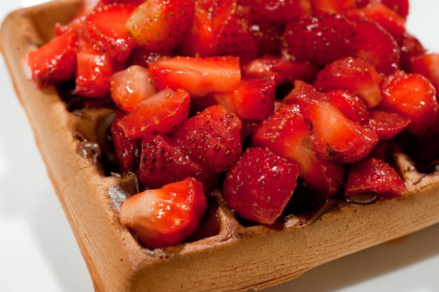 Waffle with Nutella and Amaretto Strawberries