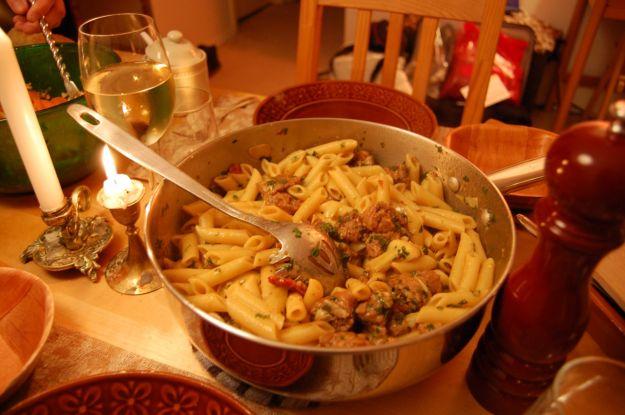 pasta con carciofi e salsiccia
