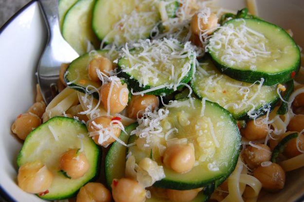 pasta con ceci e zucchine