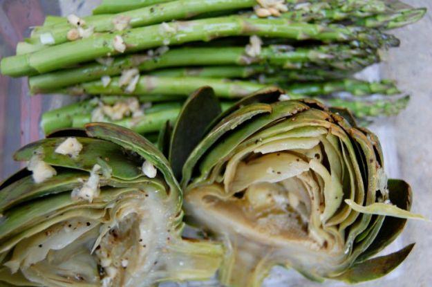 pasta con sugo cremoso di carciofi e asparagi