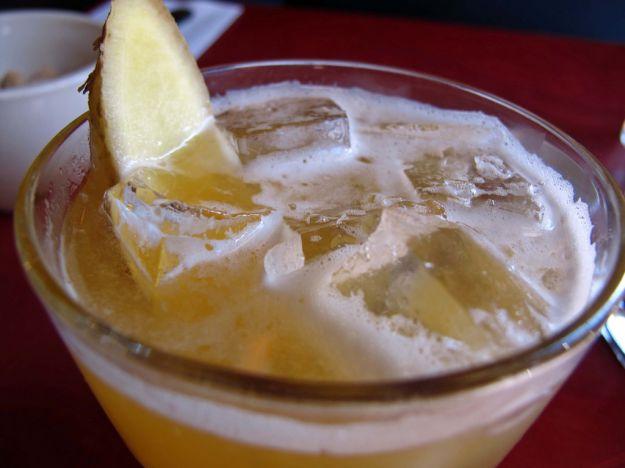punch di ananas e zenzero