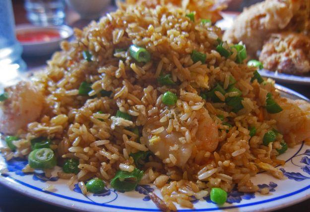 riso fritto alla cantonese con gamberetti