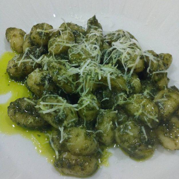 rotolini di patate al pesto