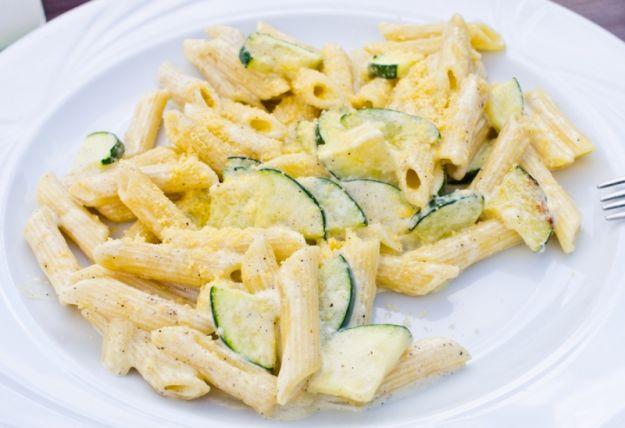 pasta fredda zucchine e ricotta
