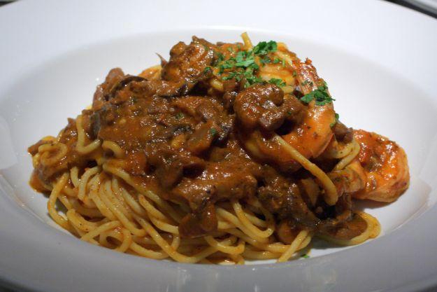 spaghetti funghi e gamberetti