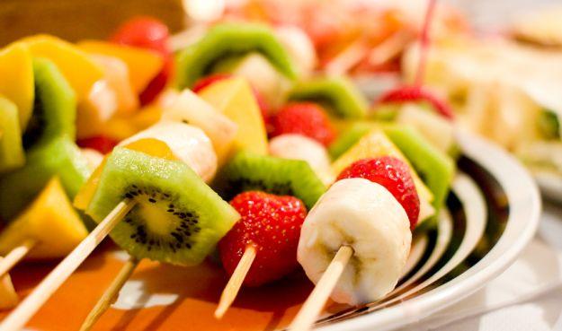 Spiedini di frutta invernale