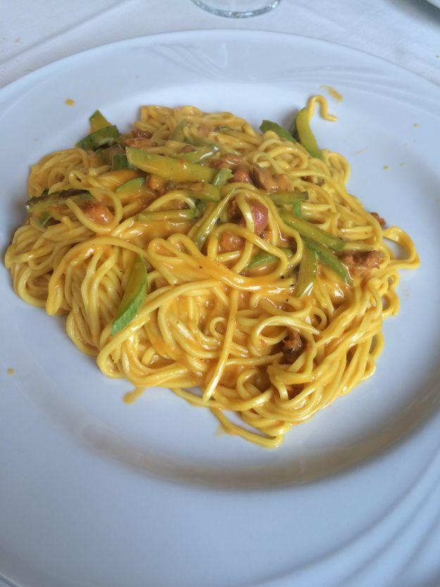 tagliolini con pollo e zucchine