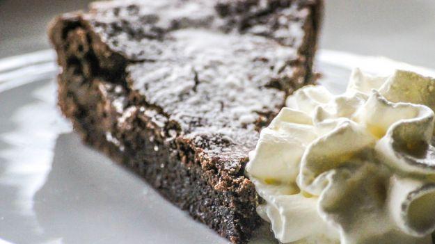 torta al cioccolato con datteri