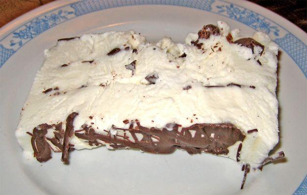 Torta gelato con il latte condensato
