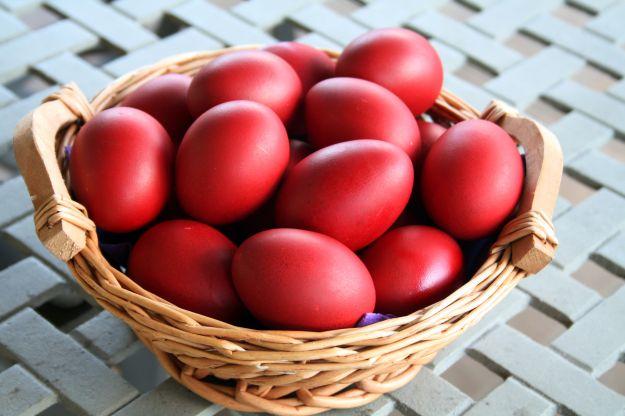 uova rosse farcite