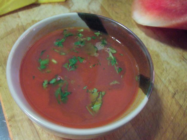 Zuppa fredda di anguria, melone e pere