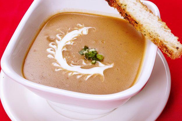 Zuppa di castagne con la panna