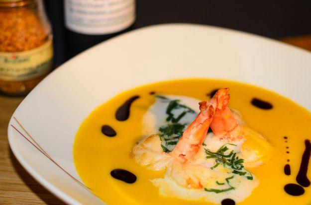 Zuppa di zucca, baccalà e gamberoni
