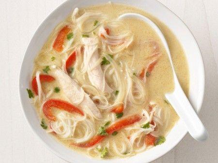 Zuppa di pollo e spaghetti