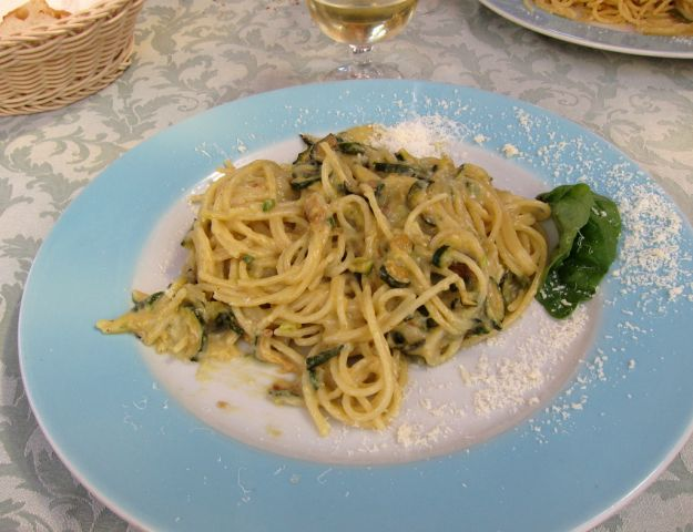 spaghetti alla nerano zucchine