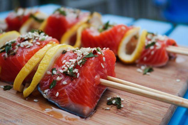 Spiedini di salmone e pompelmo