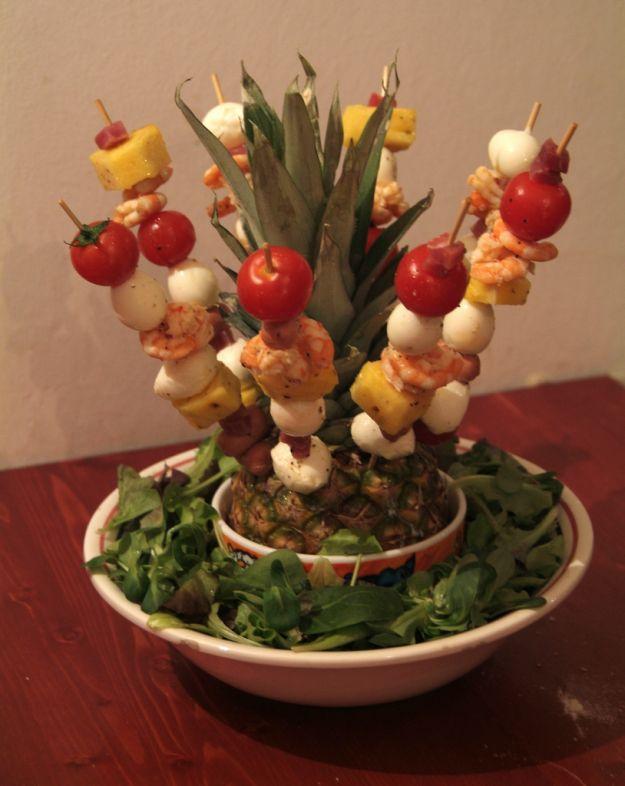 Spiedini di uova di quaglia e pomodorini