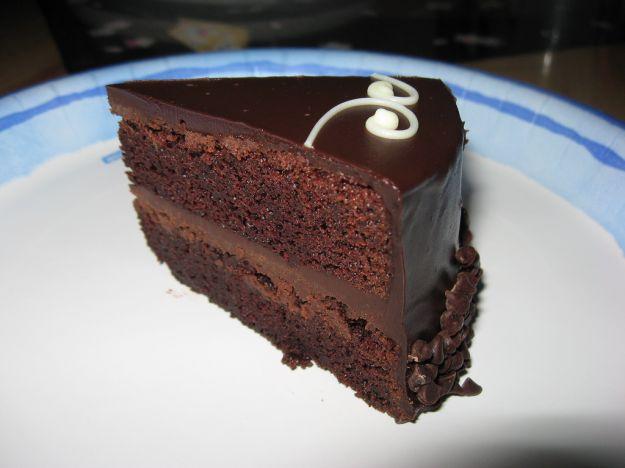 Torta al cioccolato con due creme