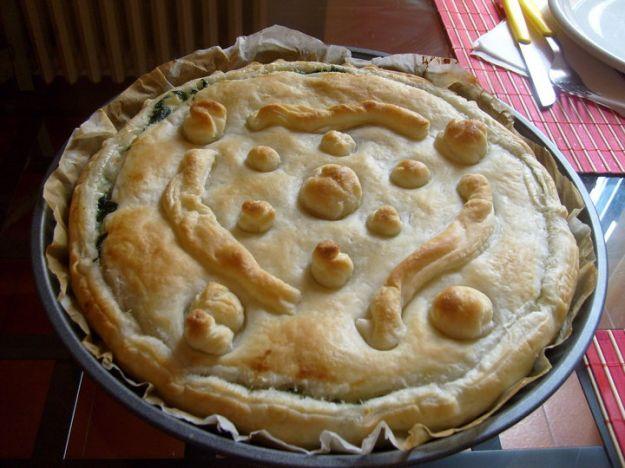 Torta salata di pesce patate e bietole
