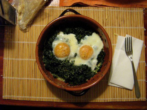 Uova con spinaci