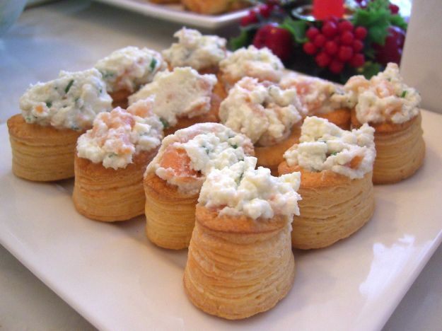 Vol au vents alla mousse di pesce