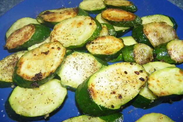 Ricetta Zucchine Bollite.Zucchine Al Vino Bianco Buttalapasta