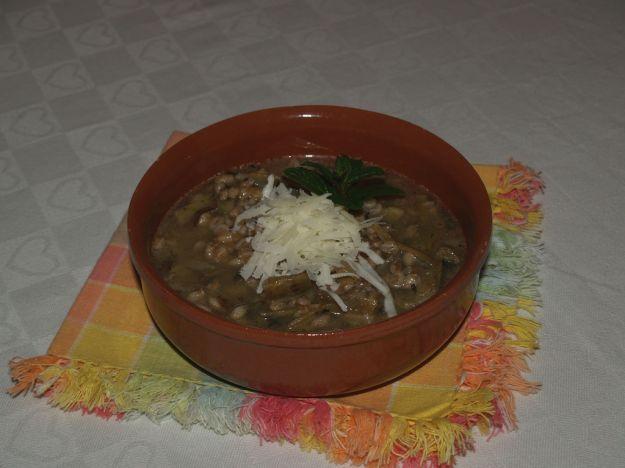 zuppa di farro e carciofi