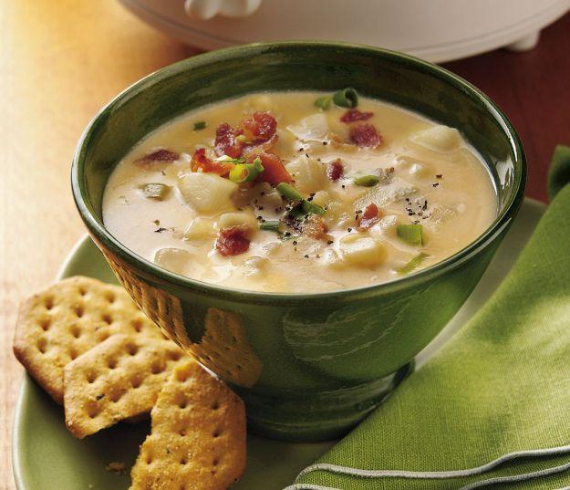 Zuppa di patate, fave e carciofi