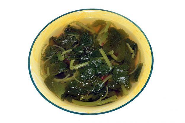 Zuppa di spinaci e crostini