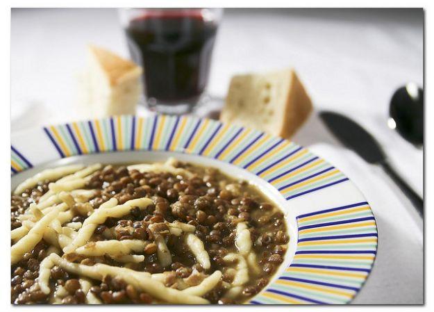 Zuppa con le trofie e le lenticchie