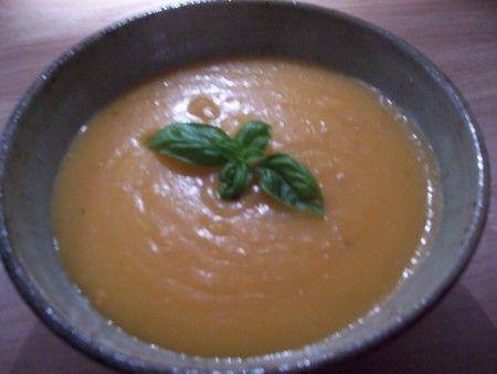 zuppa pane patate caldo piatto autunnale